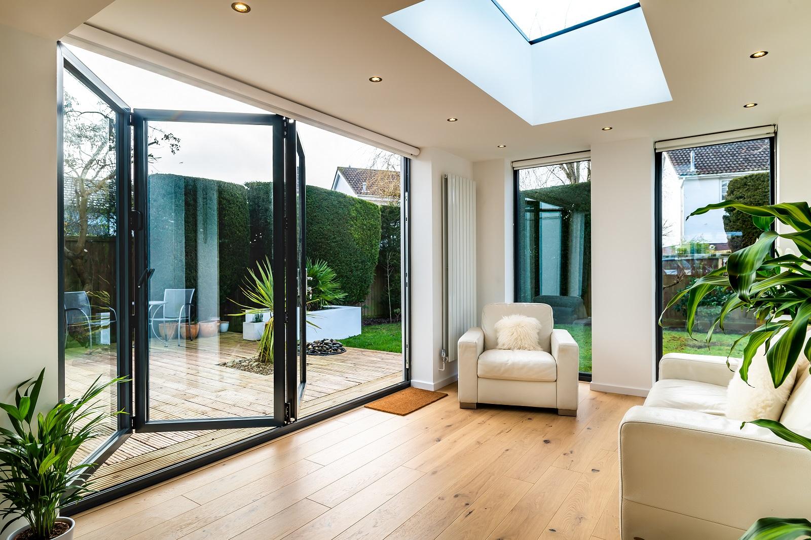 Flat rooflight and bifold doors